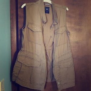 Safari vest with many pockets